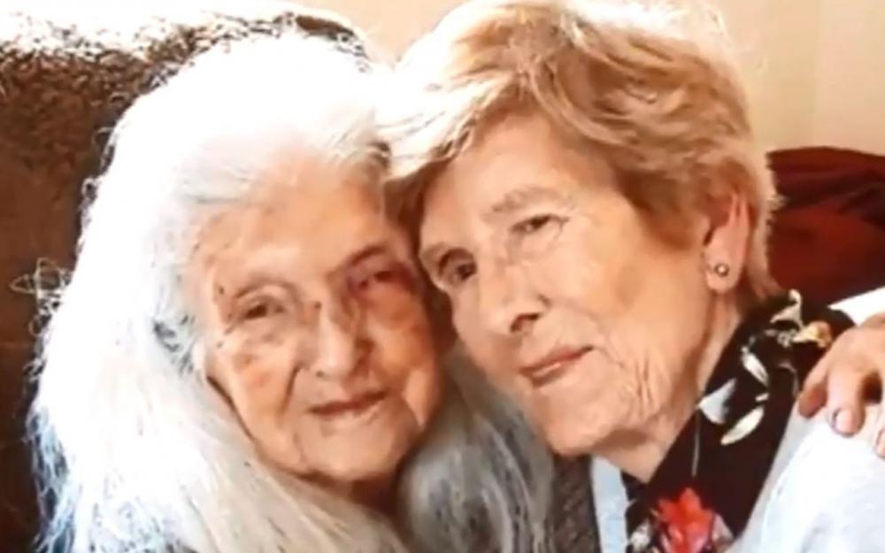 Irlande : à 81 ans, elle rencontre pour la première fois sa mère de 103 ans