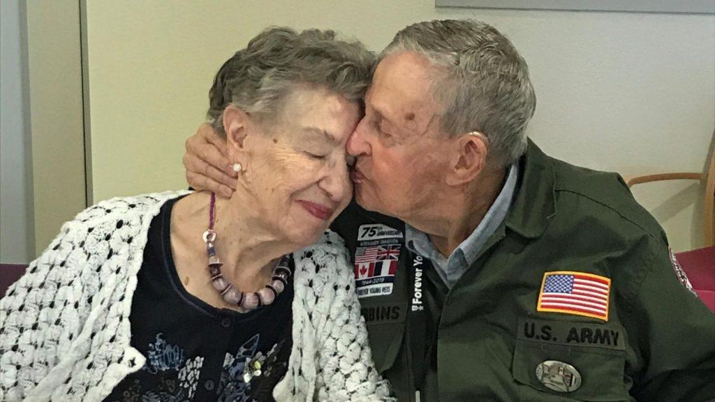 «Tu n'as jamais quitté mon coeur» : ils se retrouvent 75 ans après, c'est la belle histoire de l'année