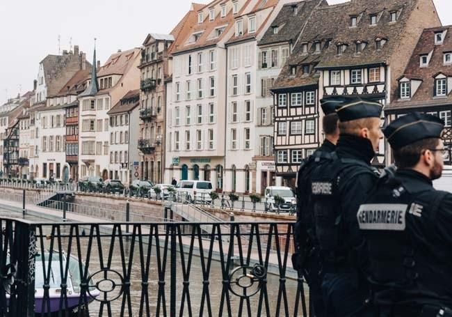Deux Tchétchènes interpellés sur le marché de Noël de Strasbourg pour apologie du terrorisme