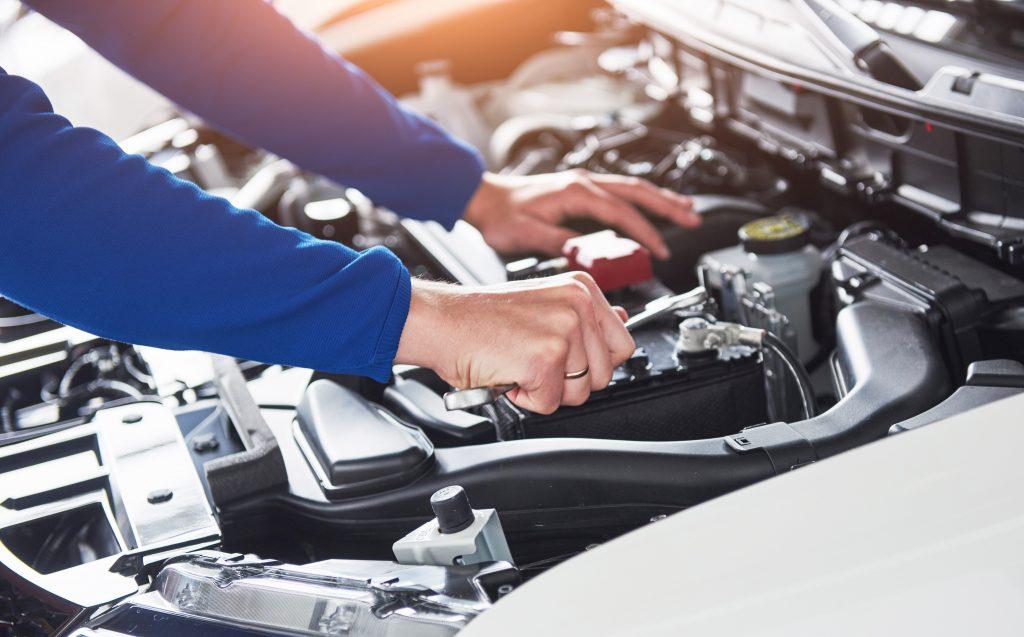 Automobile, grande distribution, banque… alerte rouge sur l'emploi