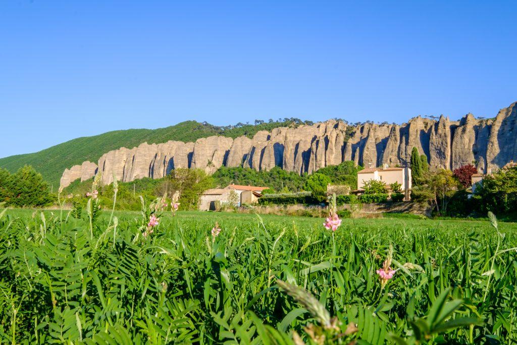 Alpes-de-Haute-Provence : un rocher de 3000 m3 s'écroule sur trois maisons