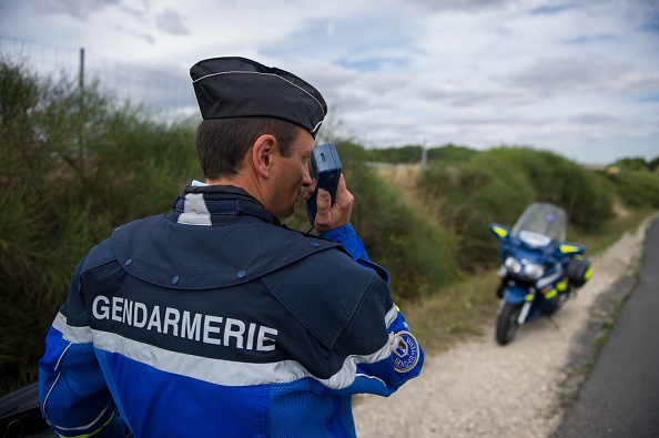 Drôme: il tente de semer les gendarmes à 240 km/h et finit par tomber en panne d'essence