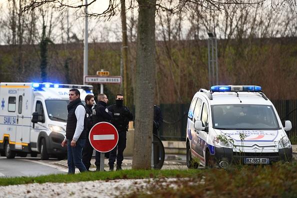 Attaque au couteau à Villejuif: une personne décédée, l'assaillant abattu par la police