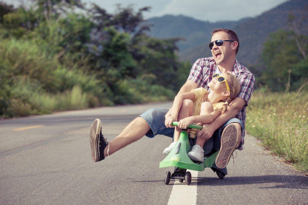 La première obligation d'un bon père est de respecter la mère de ses enfants