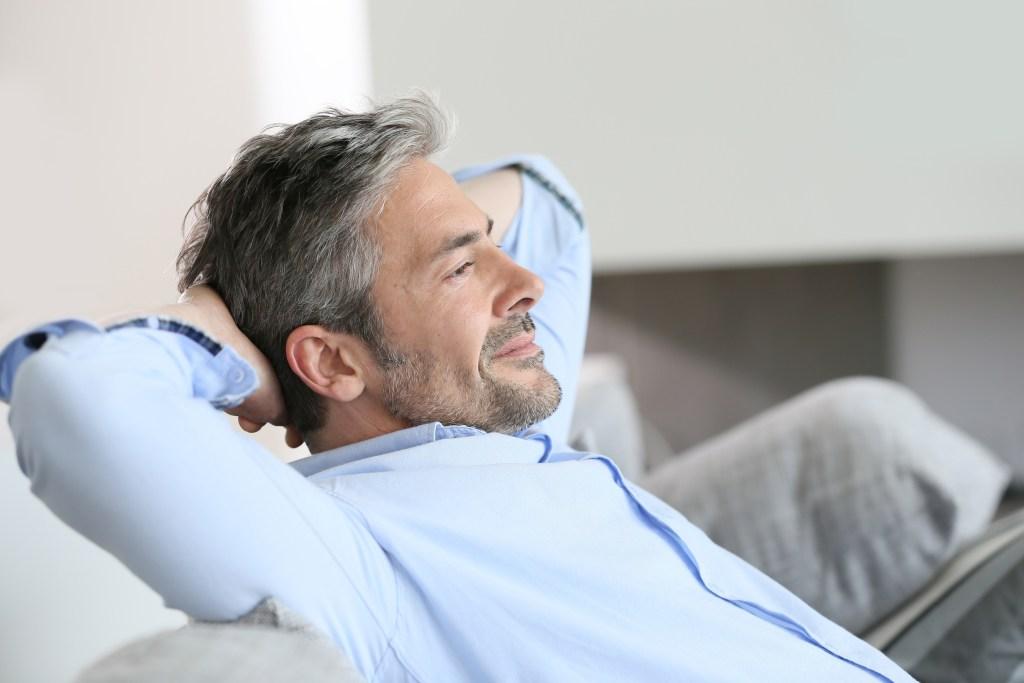 Les personnes de plus de 40 ans ne doivent travailler que 3 jours par semaine