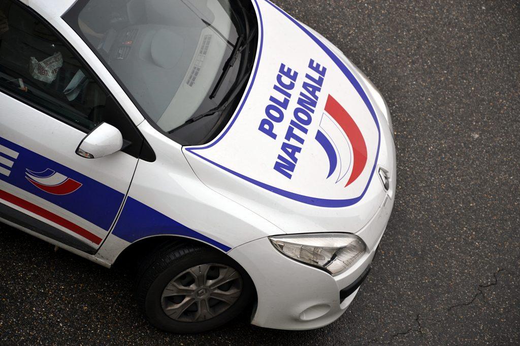 La police de l'Indre appelle à la vigilance: des individus tentent d'entrer chez vous en proposant des masques et du gel hydroalcoolique