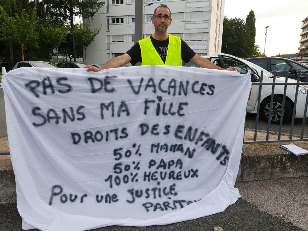 Montbéliard : un papa en grève de la faim pour partir en vacances avec sa fille
