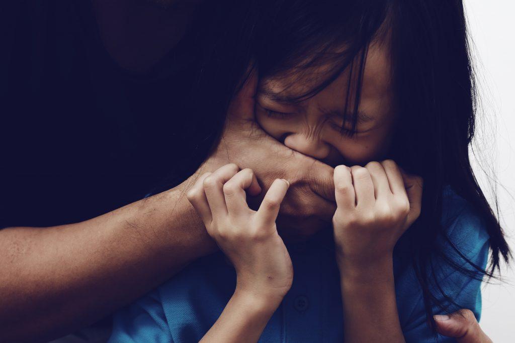 Sandra, une maman a eu une idée de génie qui a probablement sauvé sa fille et qui pourrait bien sauver beaucoup d'enfants de l'enlèvement. A lire absolument
