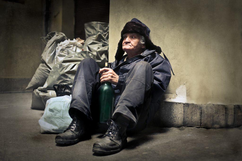 Le prêtre est l'alcoolique, qui est le pire ?